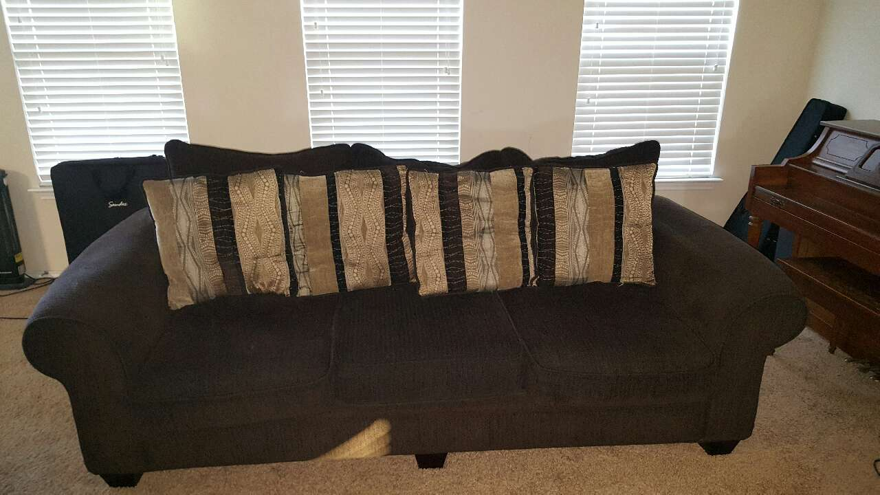 Letgo living room set 3 piece in pilot knob tx for 8 piece living room set
