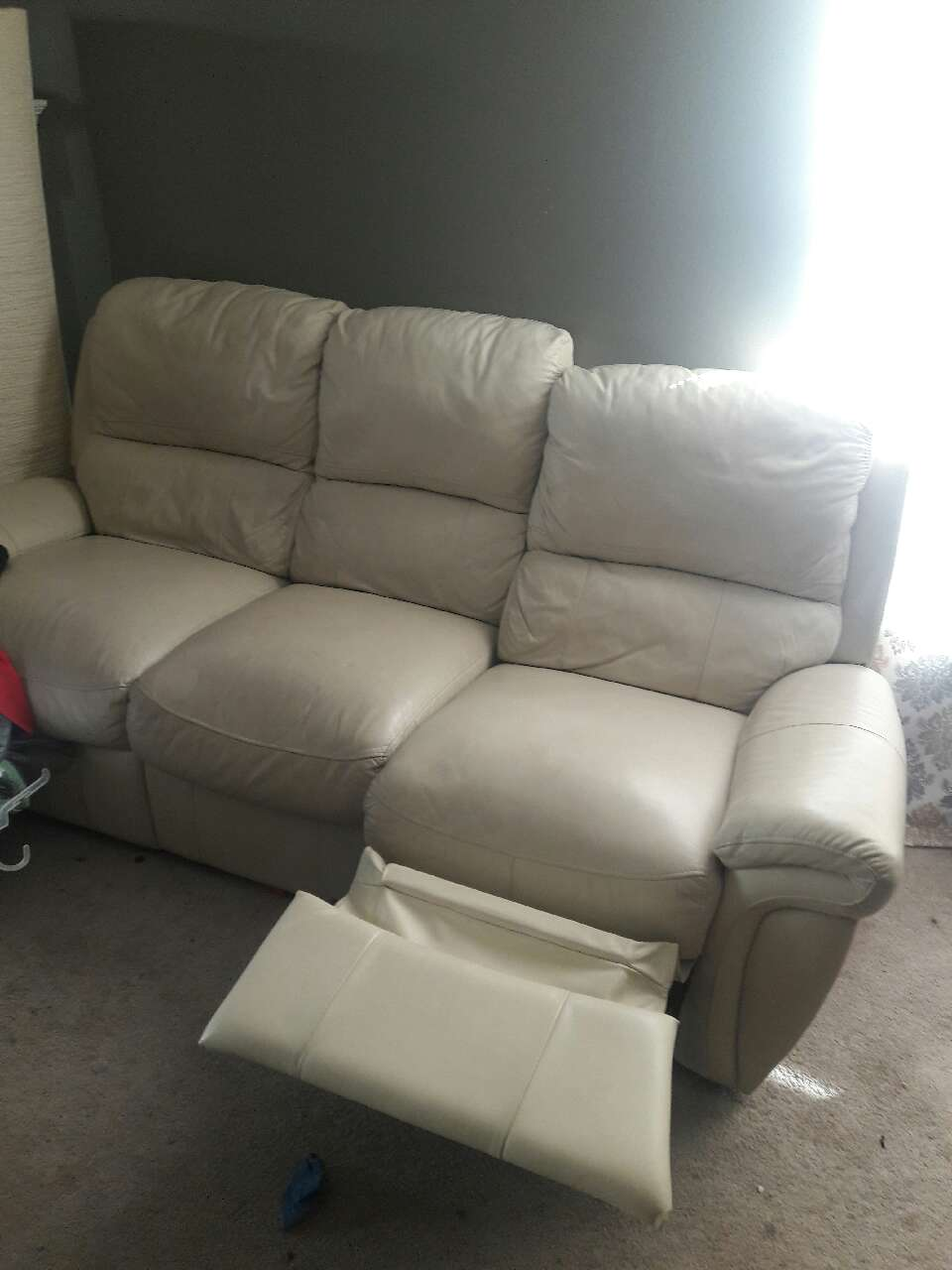 white leather triple recliner