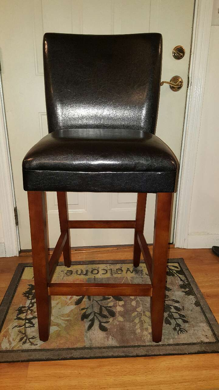 Letgo brand new luxury leather bar stools in okolona ky for Luxury leather bar stools