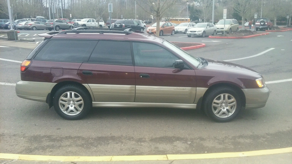 letgo 2000 subaru outback wagon 4x4 in happy valley or. Black Bedroom Furniture Sets. Home Design Ideas