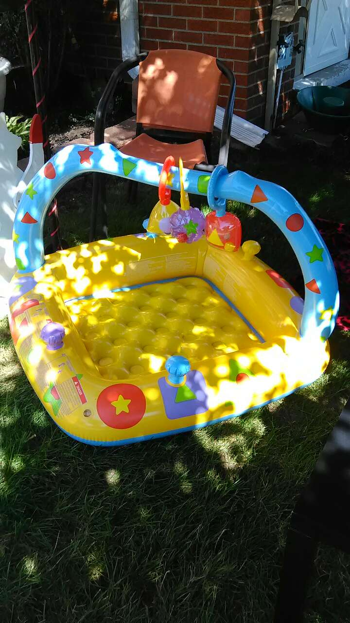 Baby and child products in garden city mi letgo for Baby garden pool