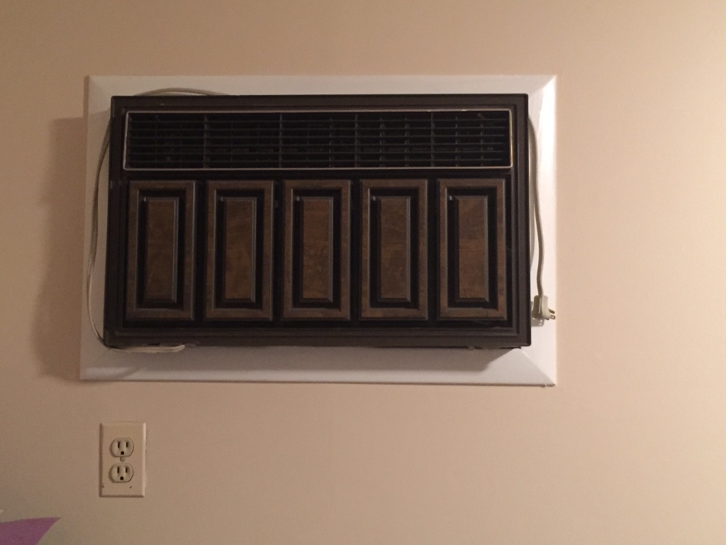 Description Window air conditioner unit. Works fine. I no longer need  #976134