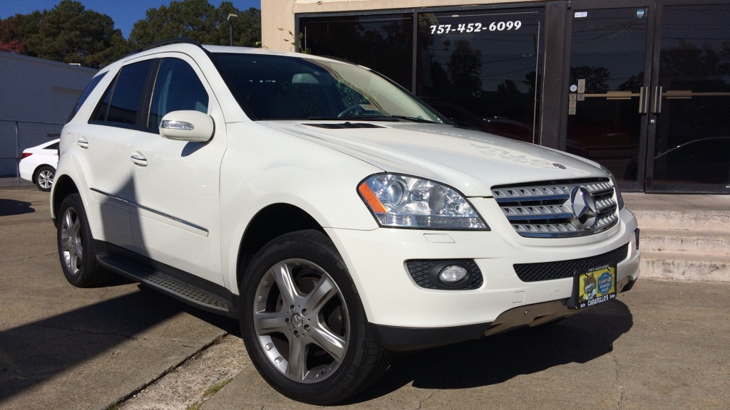 Letgo white mercedes benz suv in norfolk va for White mercedes benz suv