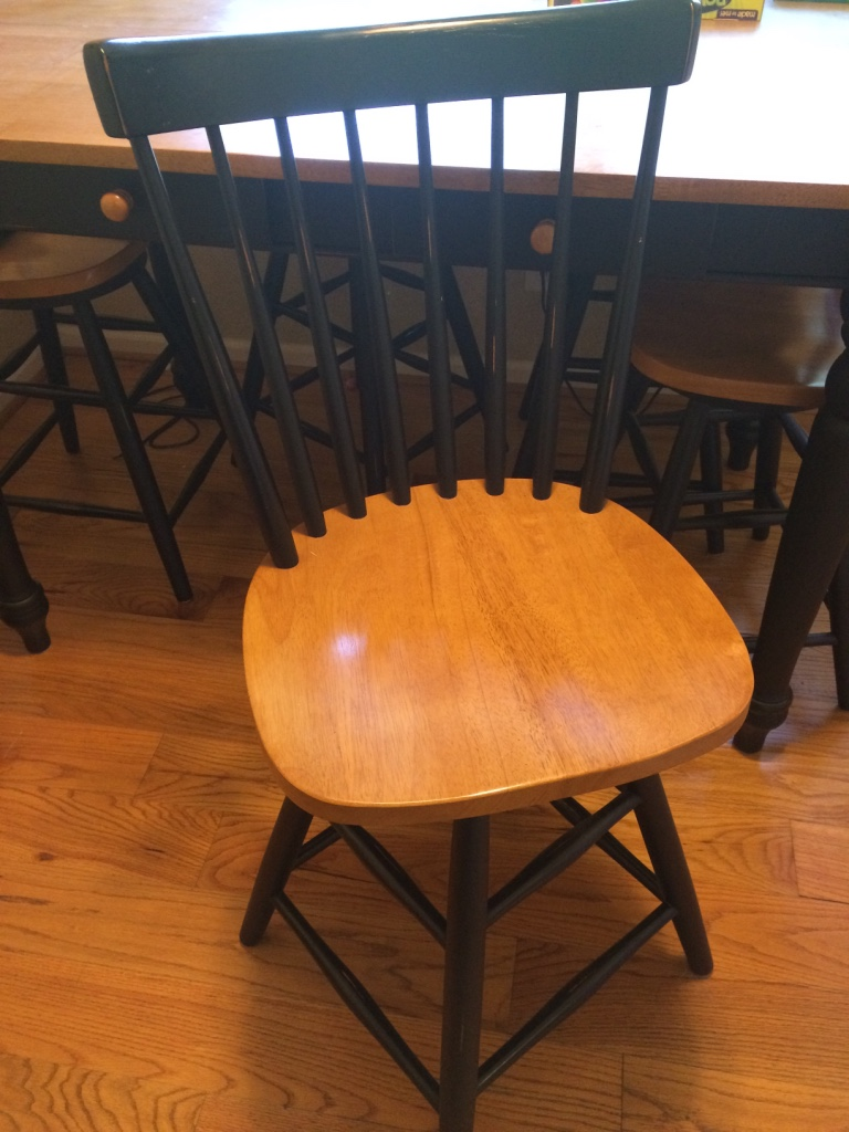 Letgo brown and black dining room table in kingsprt tn for Dining room table with swivel chairs