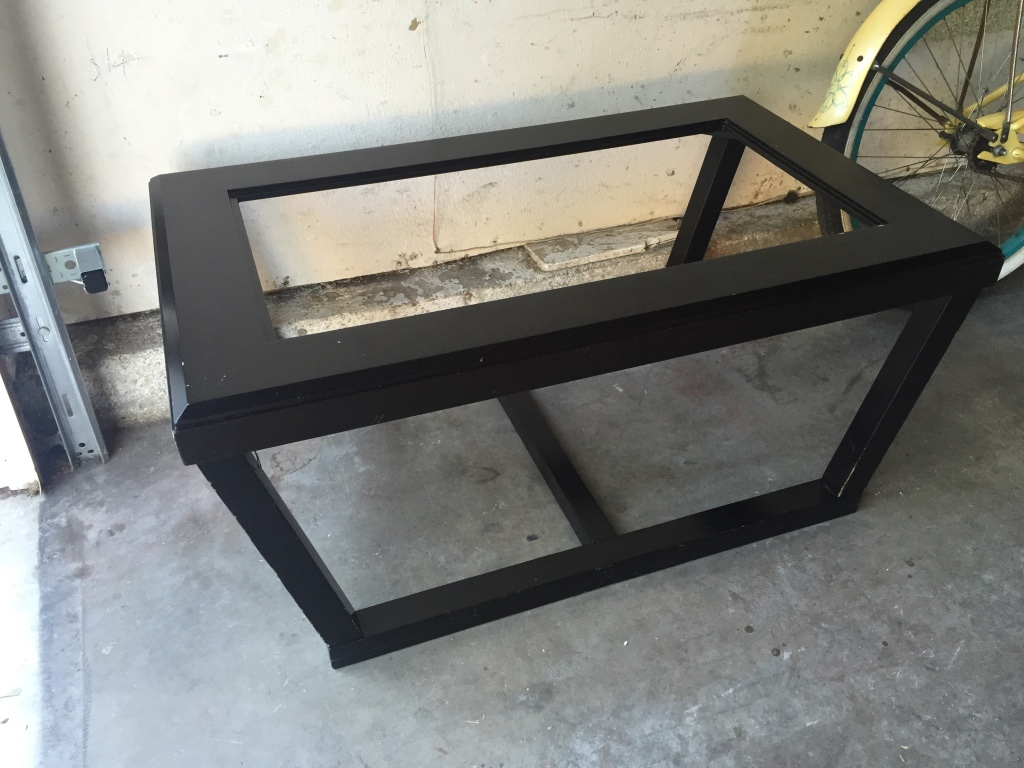 Letgo black solid wood coffee table in beach center ca for Coffee table 40 x 24