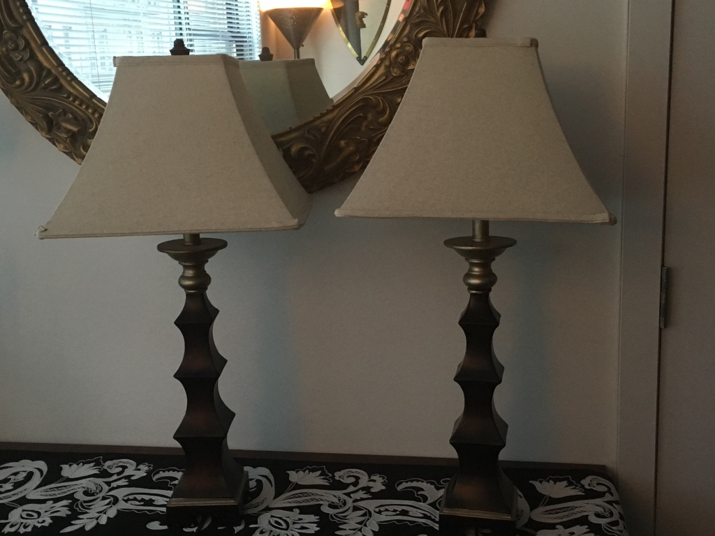 Letgo bedroom nightstand lamps in new york ny for Bedroom nightstand lamps