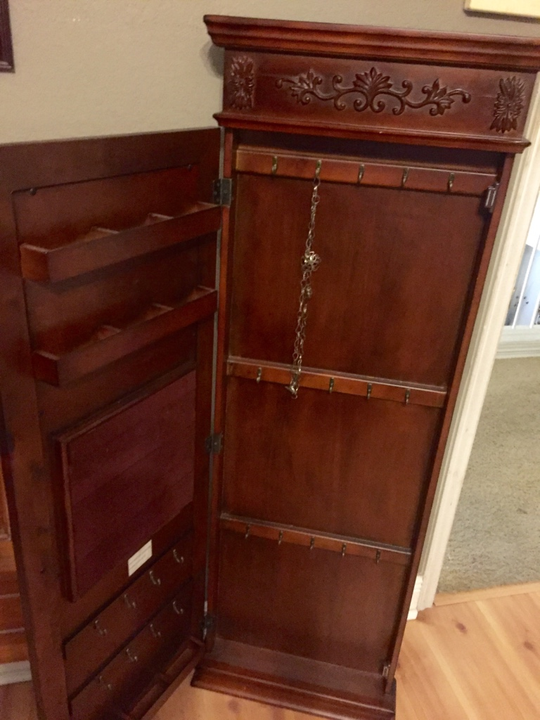 Letgo wall mounted jewelry armoire wi in round rock tx for Solid wood jewelry armoire mirror