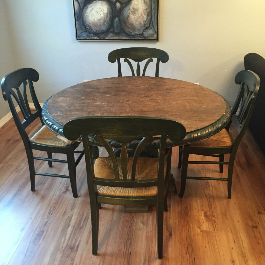 letgo Brown wooden round dining table in Houston TX : 1ea378dbd5c151c3d31dc2b6e7910f6b from us.letgo.com size 1024 x 1024 jpeg 307kB