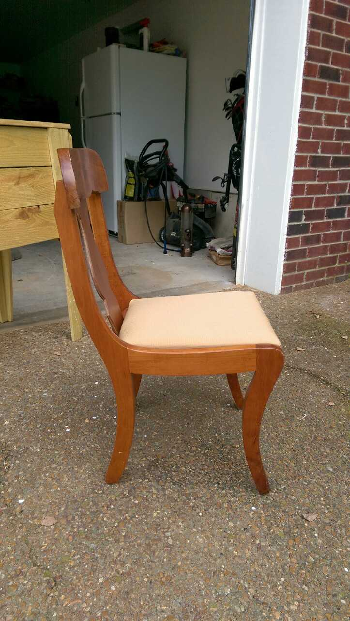 Letgo 8 solid cherry dining room chairs in bellevue tn for Cherry dining room chairs