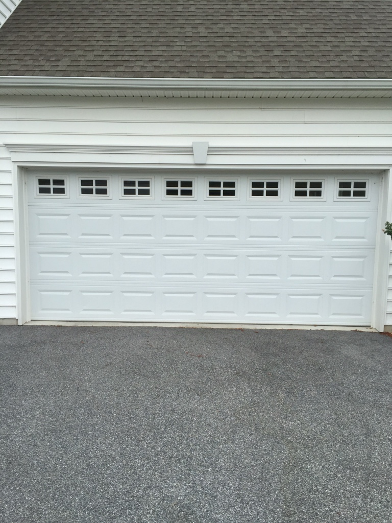 Letgo 0 5 hp chain drive garage doo in wrightsville pa for 10 ft high garage door