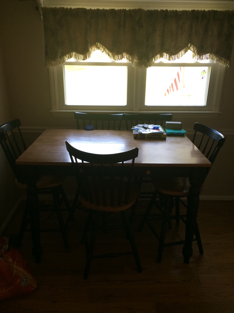 letgo brown and black dining room table in kingsprt tn