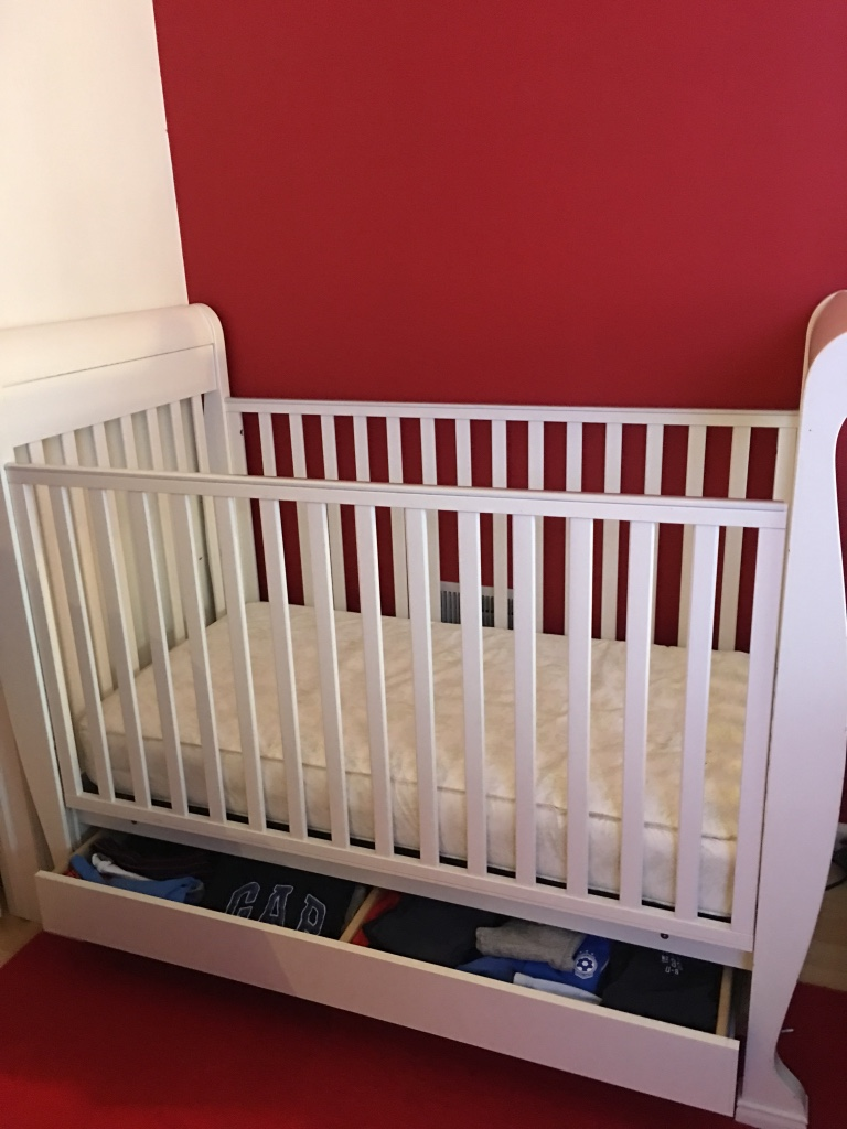 Used crib for sale in nj - White Wooden Storage Crib