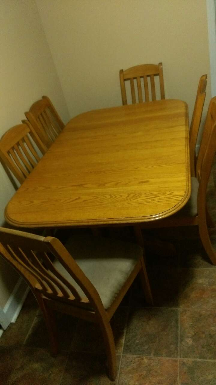 Letgo amish oak dining room table in norris tn