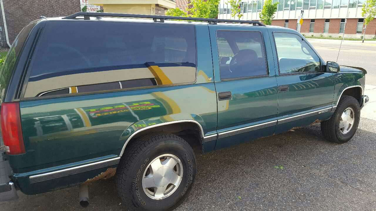 letgo 1997 chevy suburban in champlin mn. Black Bedroom Furniture Sets. Home Design Ideas