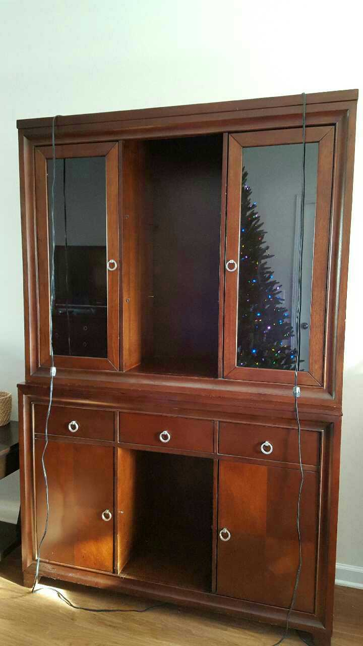Letgo wood 2 piece china cabinet in johnson city tn for Kitchen cabinets johnson city tn