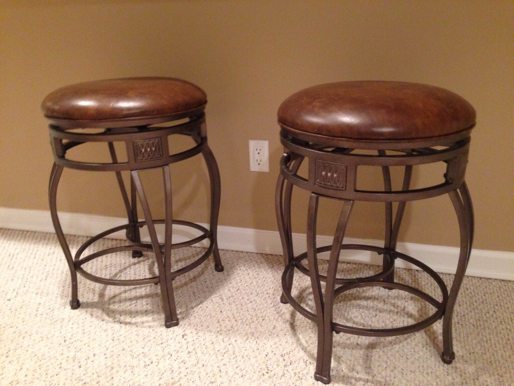 Letgo 3 Counter Higher Stools In Millburn Nj