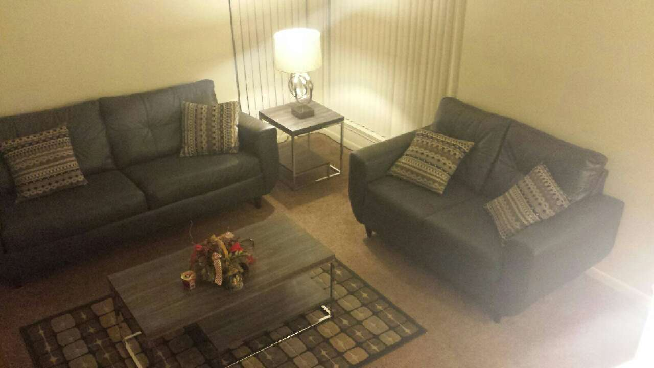 Letgo 7 piece living room set in lambertville mi for 7 piece living room set with tv