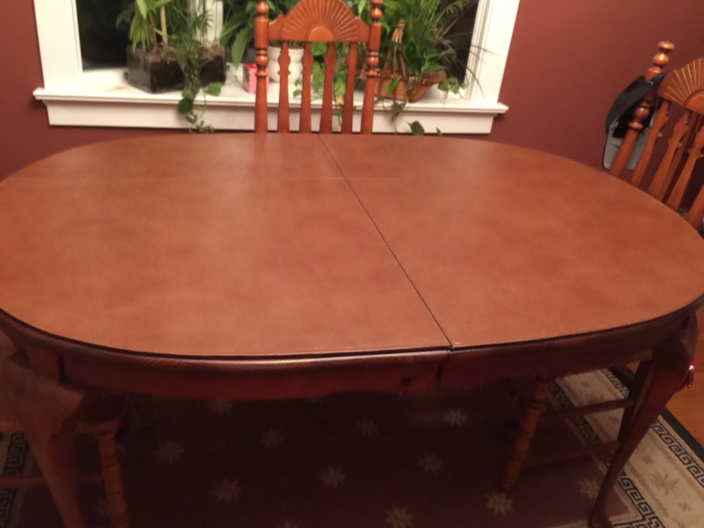 Letgo brown wooden oval table in kettering oh for Table 6 ohio