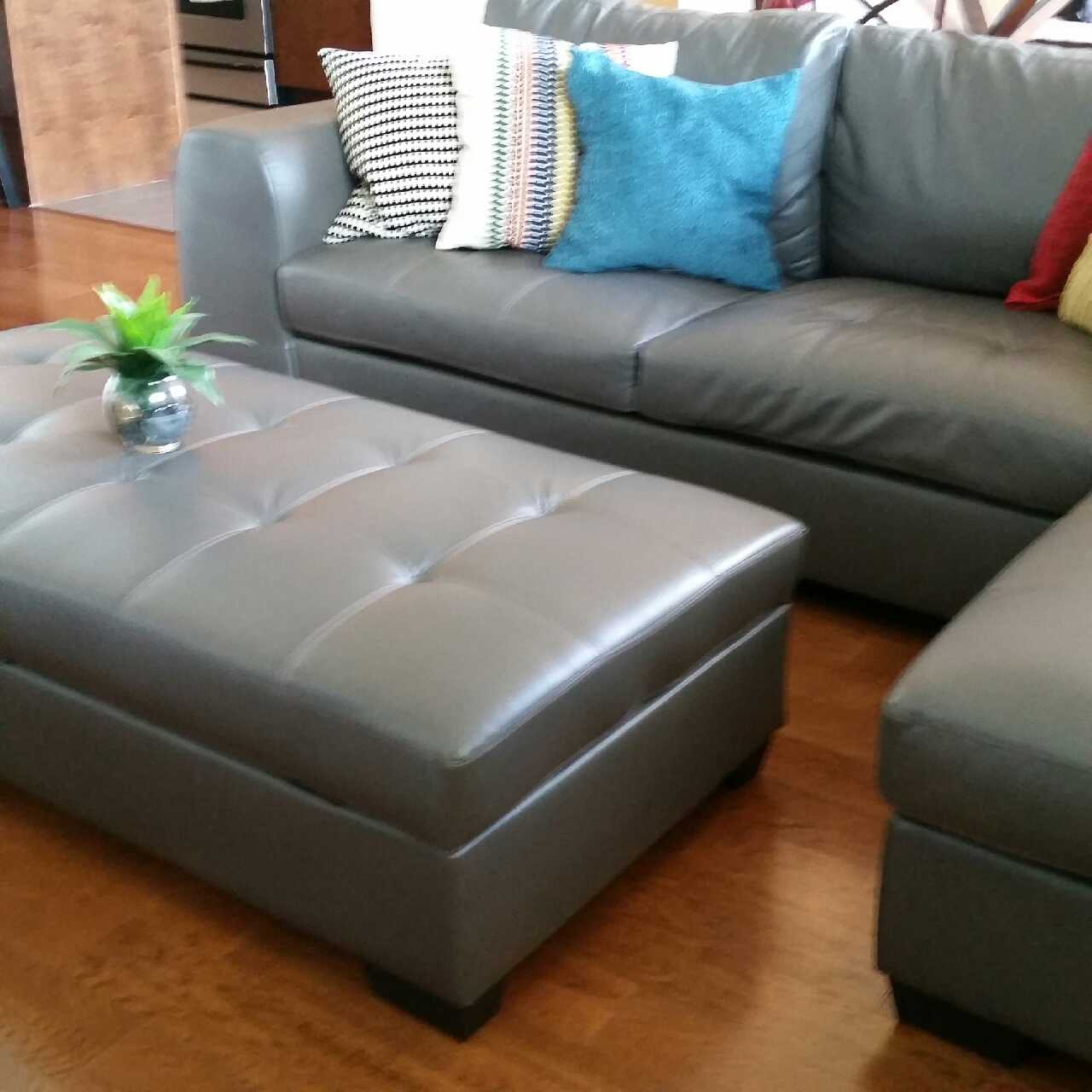 Letgo joaquin grey leather sectional sofa in dallas tx for Sectional sofa dallas tx