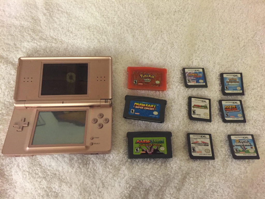 letgo nintendo ds lite ds games ga in lake balboa ca. Black Bedroom Furniture Sets. Home Design Ideas