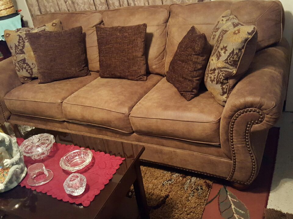Letgo 3 piece living room set in the in phenix city al for 8 piece living room set
