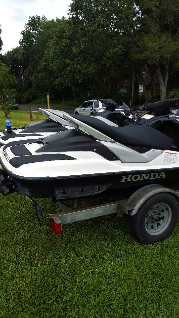 letgo 2006 honda jet skis in saint augustine fl. Black Bedroom Furniture Sets. Home Design Ideas
