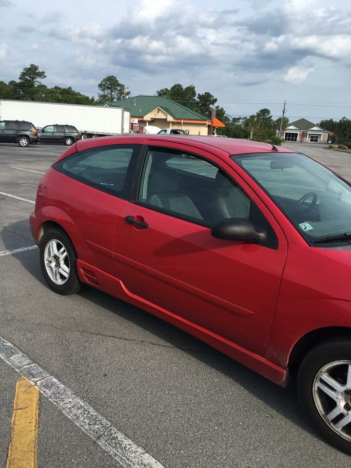 letgo 2002 ford focus zx3 in morehead city nc. Black Bedroom Furniture Sets. Home Design Ideas