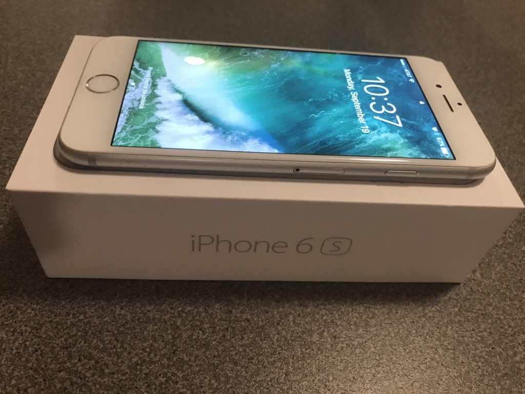 Apple IPhone 6S 128GB Silver (AT&T)