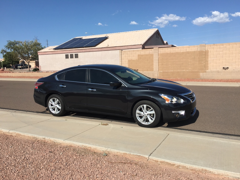 letgo 2015 nissan altima sv in youngtown az. Black Bedroom Furniture Sets. Home Design Ideas