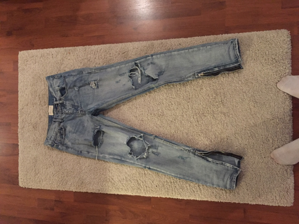 Ripped jeans Strl 34