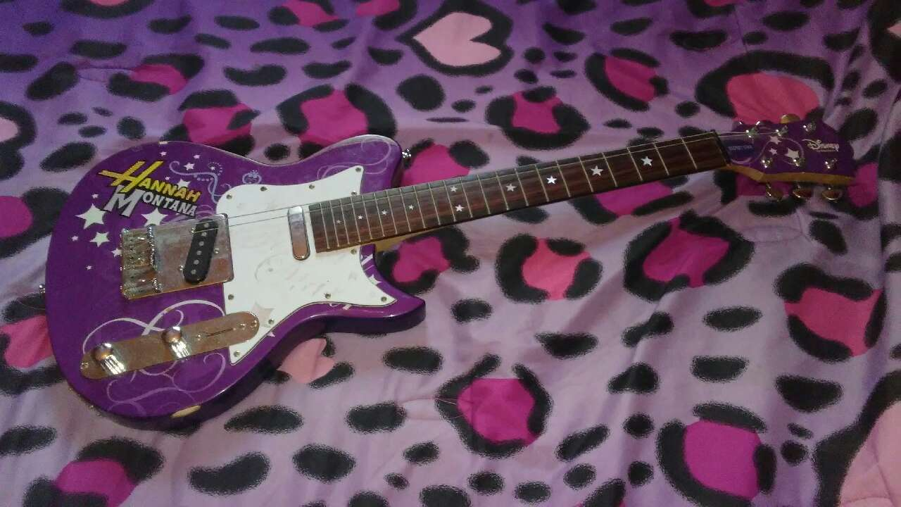 letgo - purple white hanna montana electr... in Edinburg, TX
