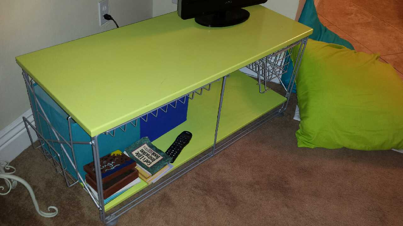 Letgo Limon Colored Modern Tv Stand In Palmdale Ca
