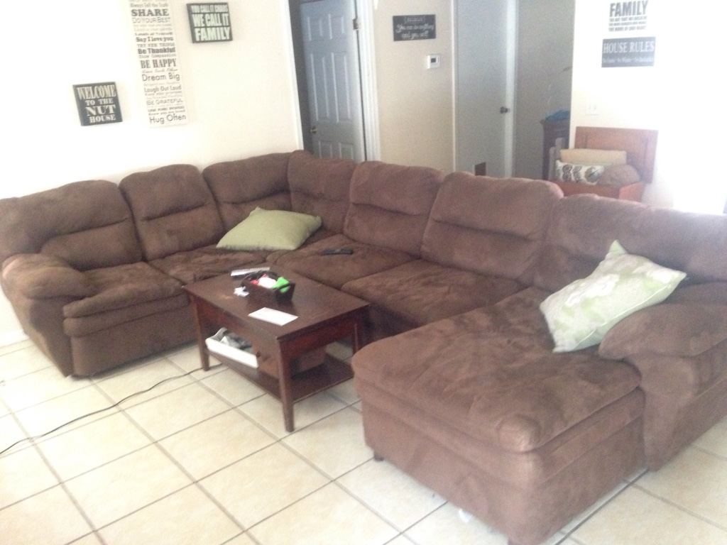 Letgo brown fabric sectional sofa in jacksonville nas fl for Sectional sofa jacksonville fl