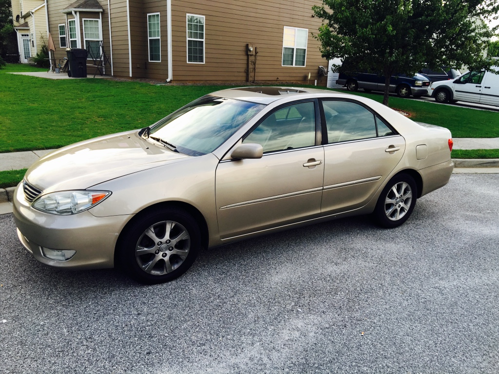 letgo 2006 toyota camry xle v6 in grayson ga. Black Bedroom Furniture Sets. Home Design Ideas