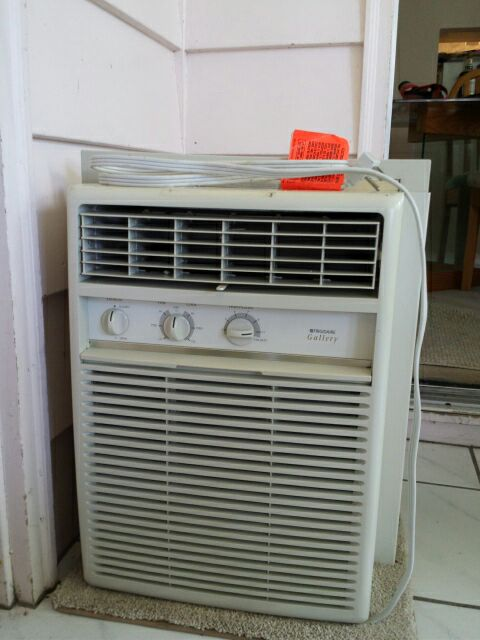 Letgo 12000btu kenmore air condition in river hills wi for 12000 btu casement window air conditioner
