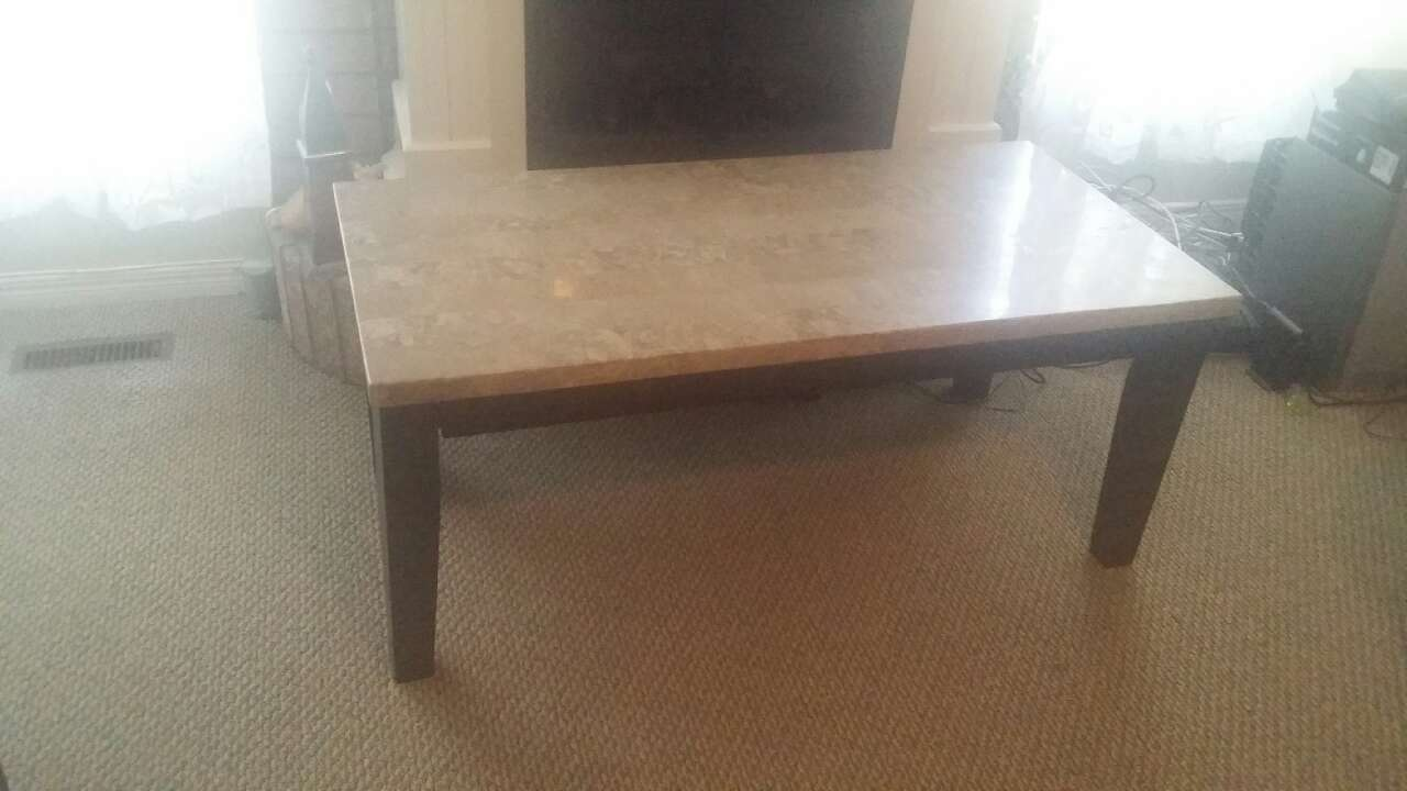 brown marble rectangle dining table in Mississauga letgo : 5e402c4b08042afca36c3b4a7a5326ad from ca.letgo.com size 1280 x 720 jpeg 63kB