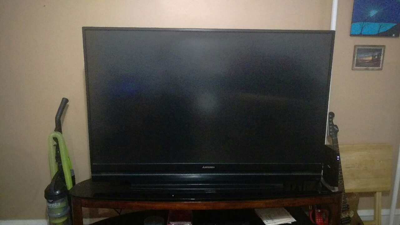 letgo mitsubishi 60 inch dlp tv in mid city east pa. Black Bedroom Furniture Sets. Home Design Ideas