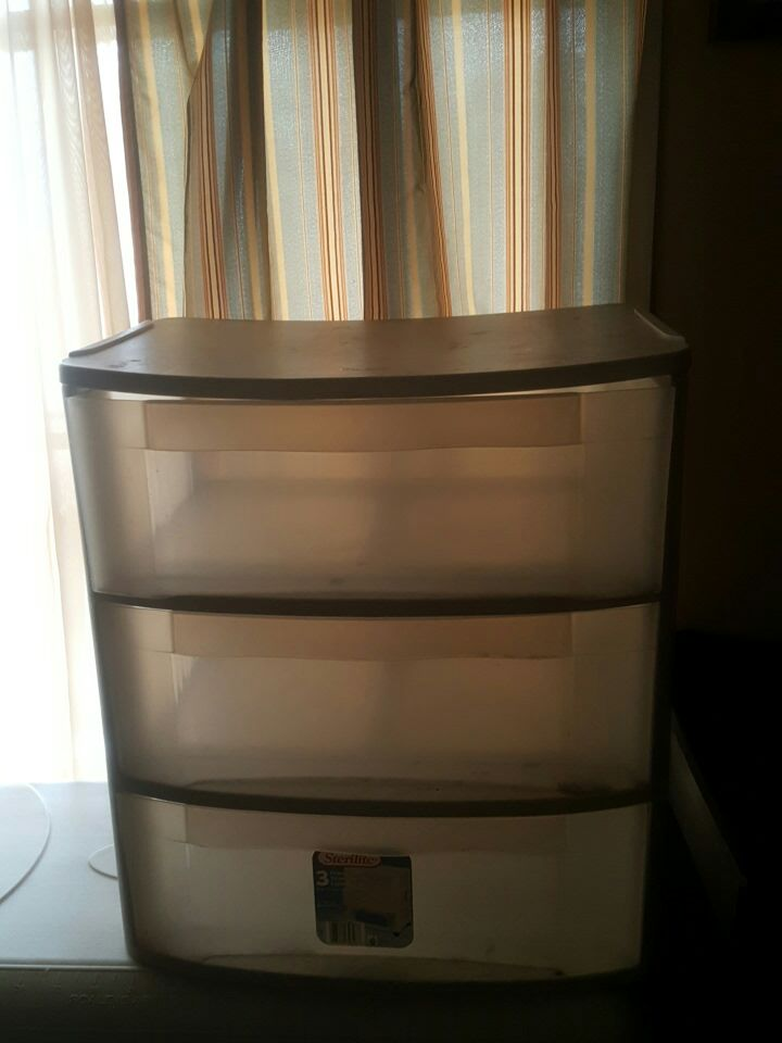 Plastic 3 Drawer Chest ~ Letgo gray plastic drawer chest in lubbock tx