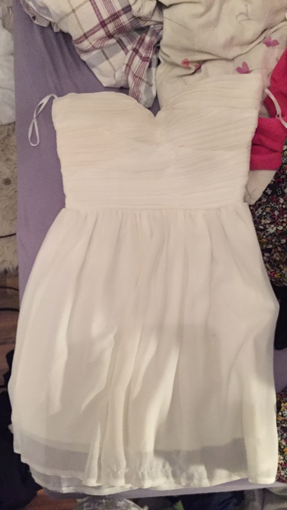 women's white neckline dress