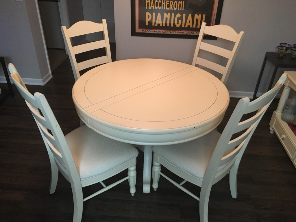 Letgo cream colored dining room t in highland beach fl for Colourful dining table and chairs
