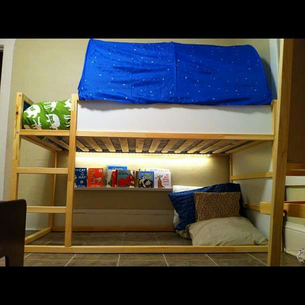 Letgo 4 39 twin bunk bed w 2 mattresses lig in tampa fl Twin bed tent ikea