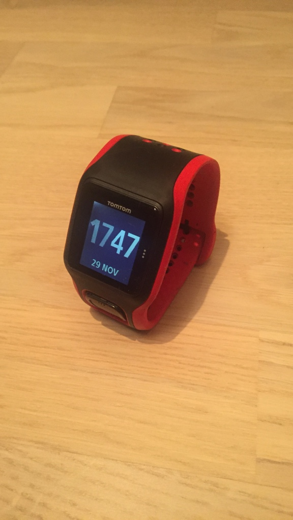 Red strap tomtom activity tracker
