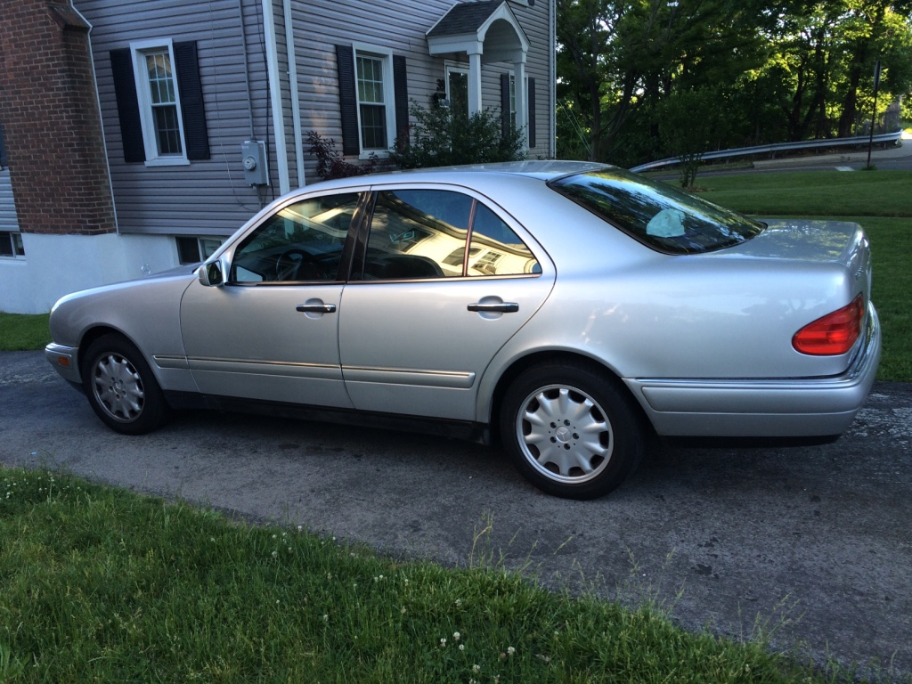 Letgo silver mercedes benz e 320 in stamford ct for Mercedes benz connecticut