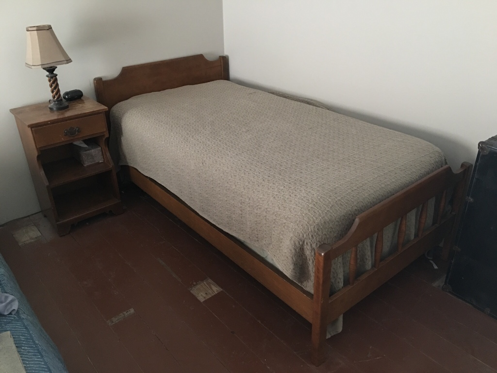 Letgo Boys Bedroom Furniture Set Vintag In Oak Park Il