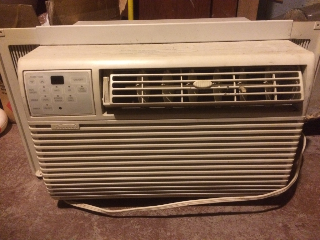 Letgo white window type ac unit in maybee mi for 1 5 ton window ac unit consumption per hour