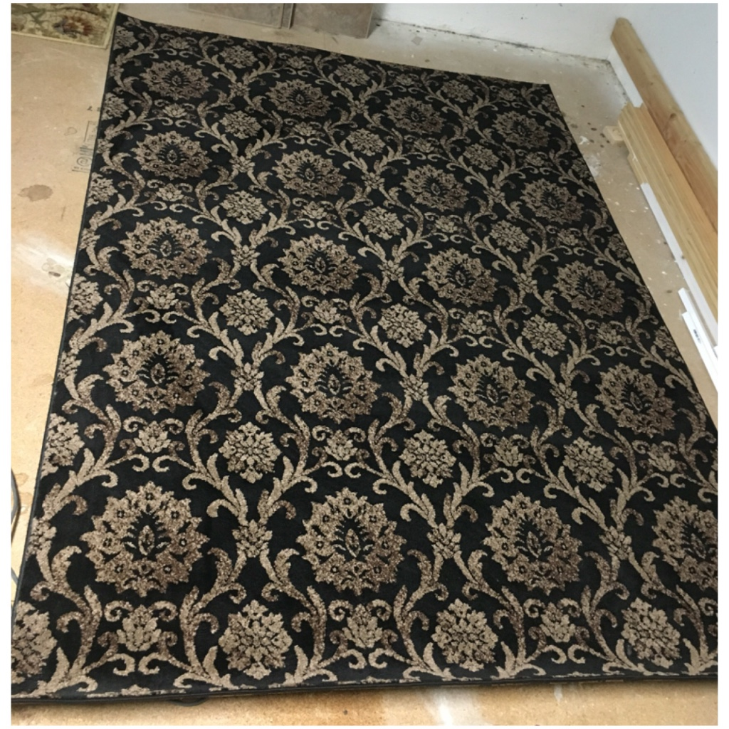 letgo black and tan 90x62 area rug in linden ca. Black Bedroom Furniture Sets. Home Design Ideas
