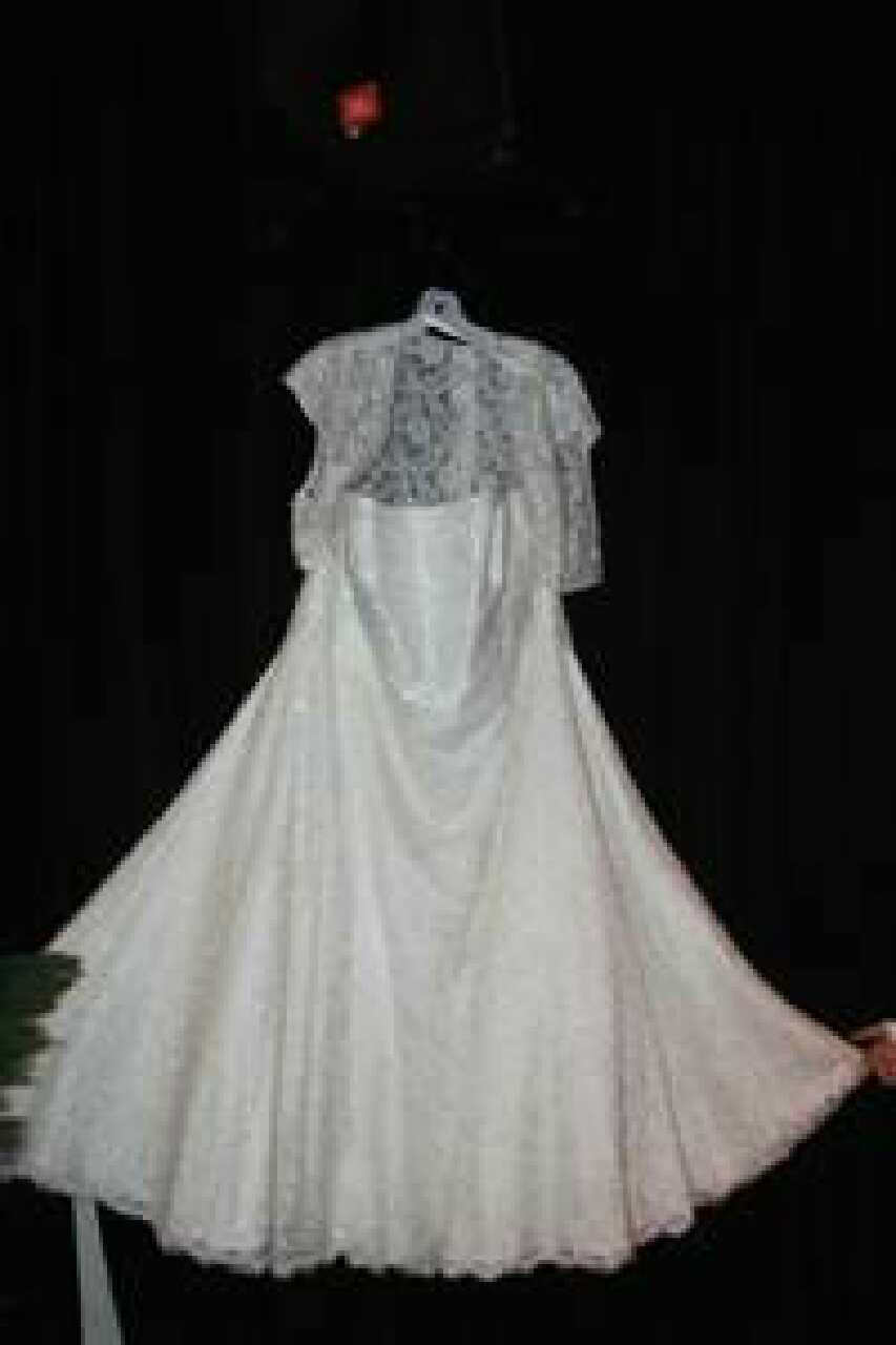 Plus size wedding dresses greenville sc plus size prom for Wedding dress shops greenville sc