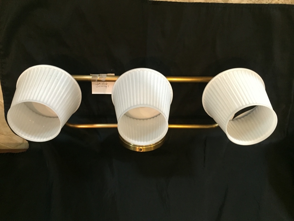 Vanity Lights White : letgo - white and gray vanity lights in Charleston, WV