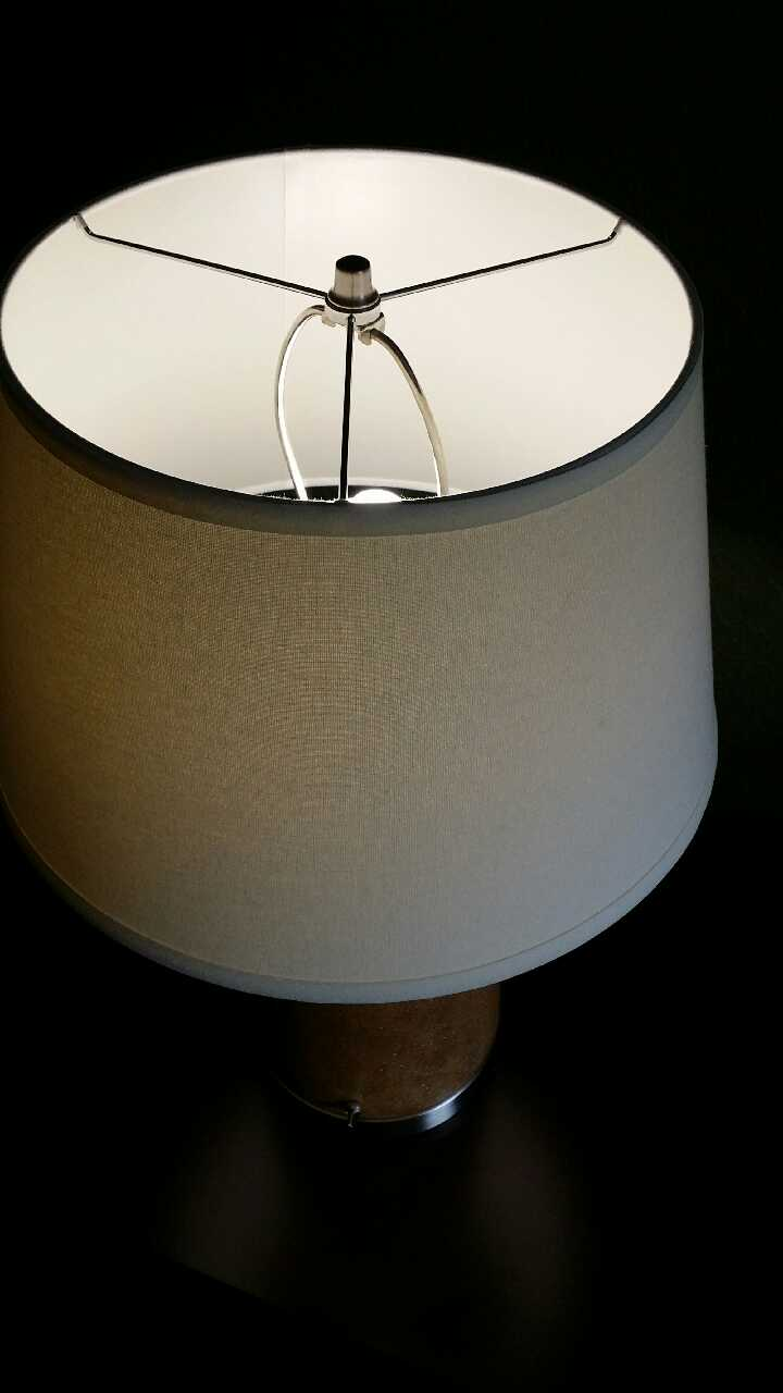 night stand lamp n shade with bulb in brampton letgo. Black Bedroom Furniture Sets. Home Design Ideas