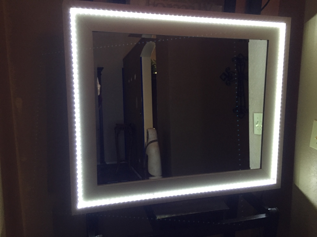 letgo lighted makeup vanity mirror in phoenix az. Black Bedroom Furniture Sets. Home Design Ideas
